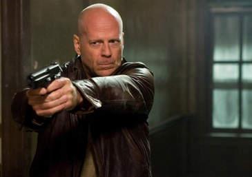 Silah Tutan Bruce Willis